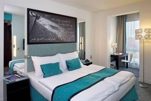 Red blue design hotel prague reserva online en este for Design hotel praga