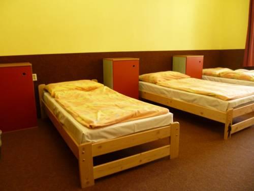 Hostel Advantage